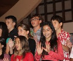 6th grade singing at Christmas Program