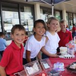 kids at lemonade stand
